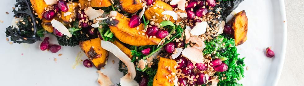 Grünkohl und Süßkartoffeln mit Tahinidressing