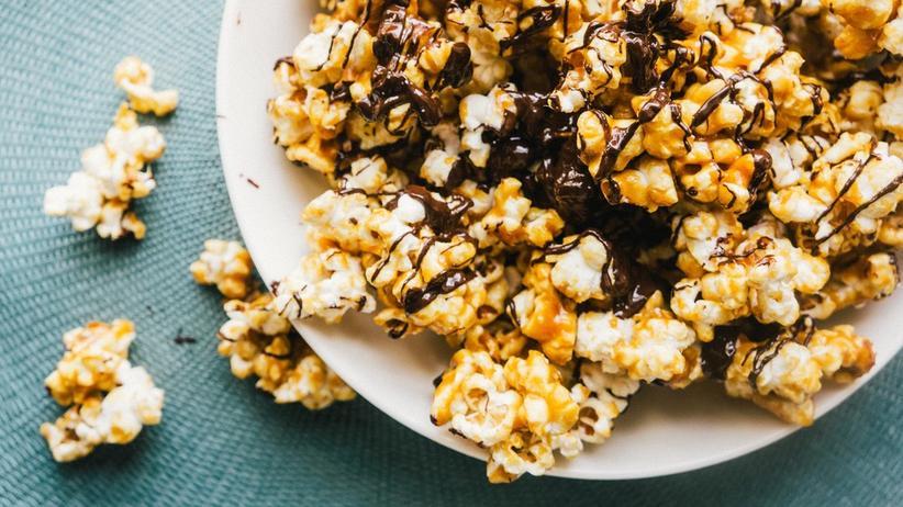 Selbstgemachtes Schoko-Toffee-Popcorn