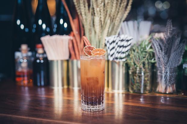 """Smoked Cocktails"": Zephyr Ice Tea"