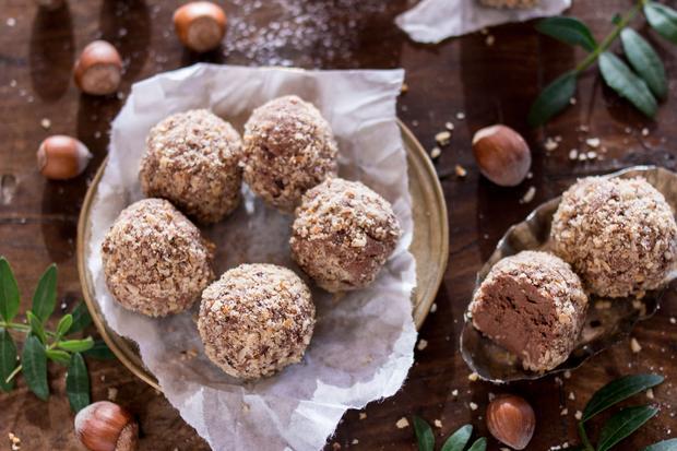 Schokoladen-Haselnuss-Pralinen