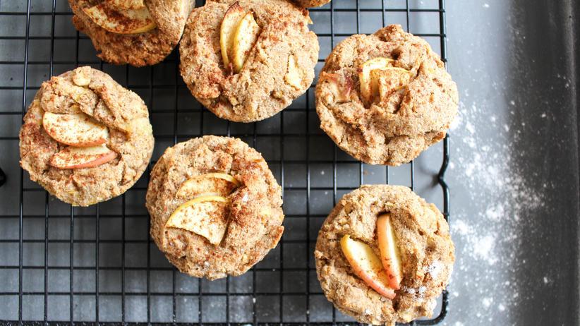Gesunde Rezepte: Einen Apfel am Tag kann man auch ganz gesund in Muffinform zu sich nehmen.
