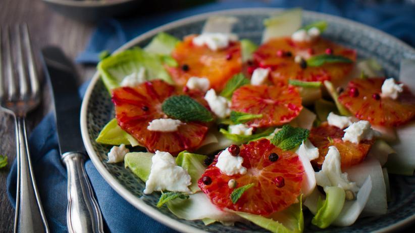 Chicoréesalat mit Blutorangen und Büffelmozzarella