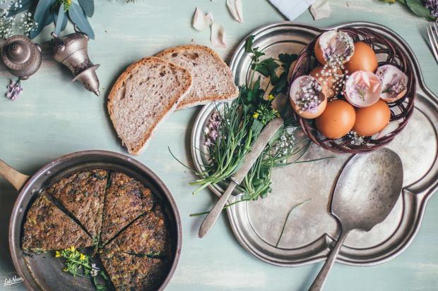 Kuku SabziKräuter-Pilaw mit gebackenem Fisch: Die persische Variante der Frittata