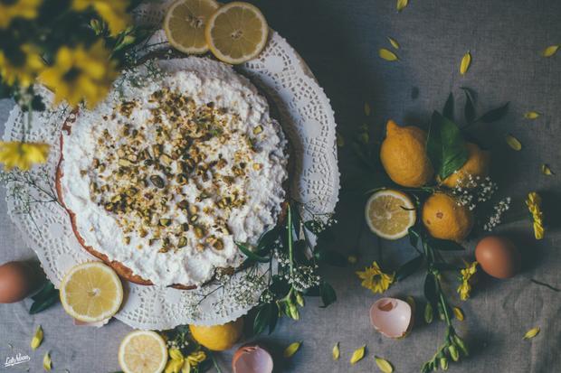 Kräuter-Pilaw mit gebackenem Fisch: Für das Aroma im Ricottakuchen sorgt Orangenblütenwasser.