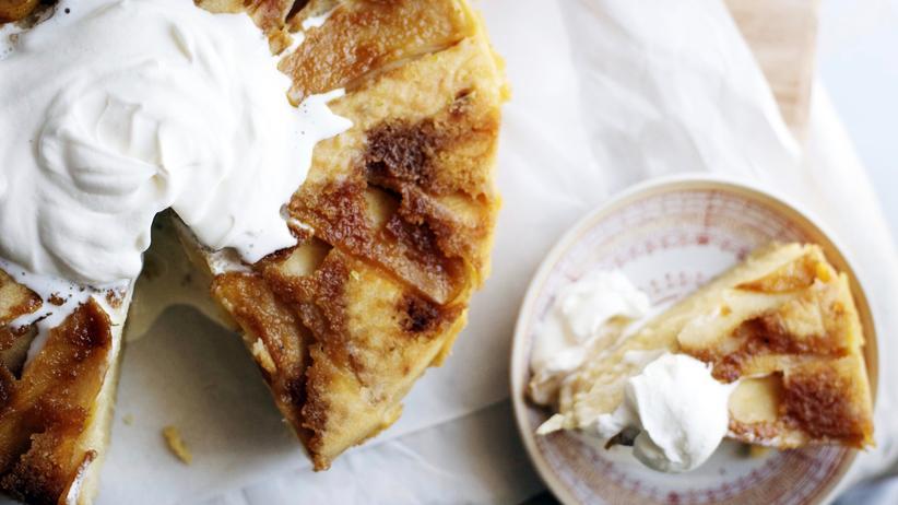 Bissara: Der Apfelkuchen wird mit Orangenblüten-Kardamom-Creme kombiniert – mit typischen Aromen der arabischen Küche.