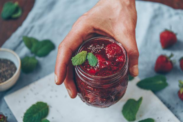Erdbeer-Chia-Kompott:  Ihr seid echt süß