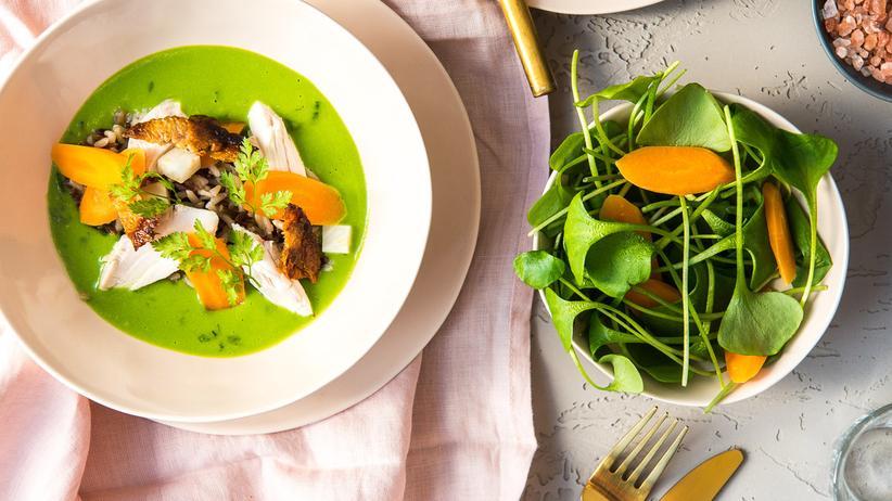Pulpo: Das Hühnerfrikassee wird grün durch Lauch, Kerbel und Spinat.