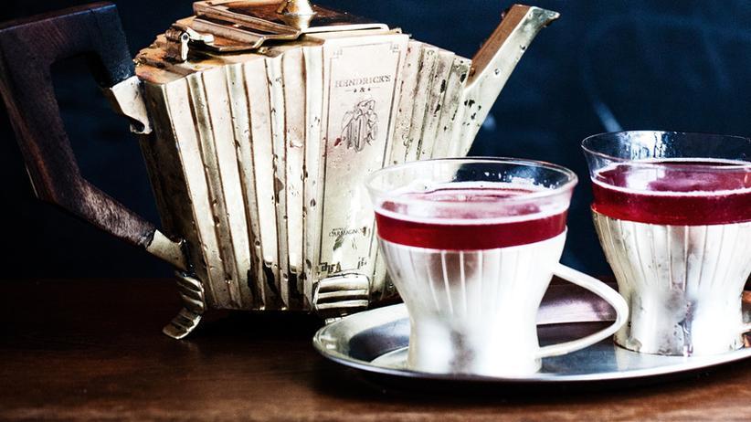 Shrubs: Weil Teeinfusion drin ist, wird Monsieur Provocateur passend im Tässchen serviert.