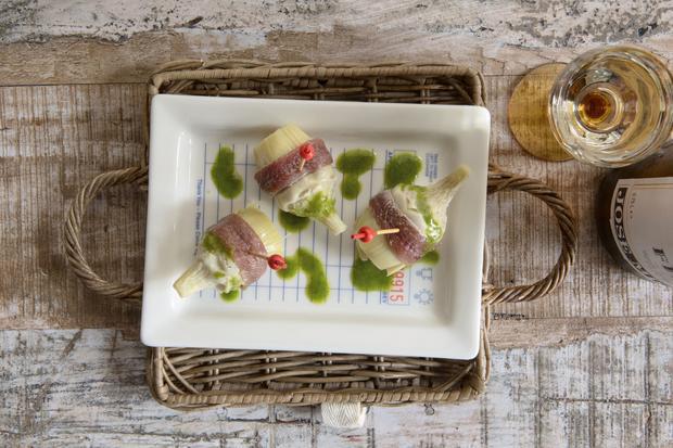 Barfood: Tapas, Mezze oder Cicchetti: Die mediterrane Aperitif-Kultur lässt Kleinigkeiten zum Feierabend-Drink groß rauskommen. Diese Rezepte trösten über das Urlaubsende hinweg.