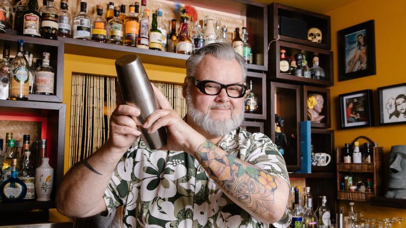 Mai Tai: Wer den Mai Tai erfunden hat, ist wild umstritten. Thomas Stingl feilt in seiner Nürnberger Bar an der perfekten Rezeptur.