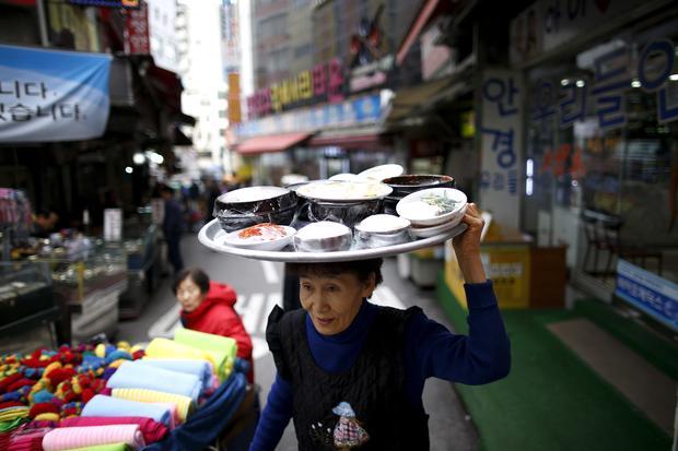 Koreanische Küche: So serviert man auf koreanisch.