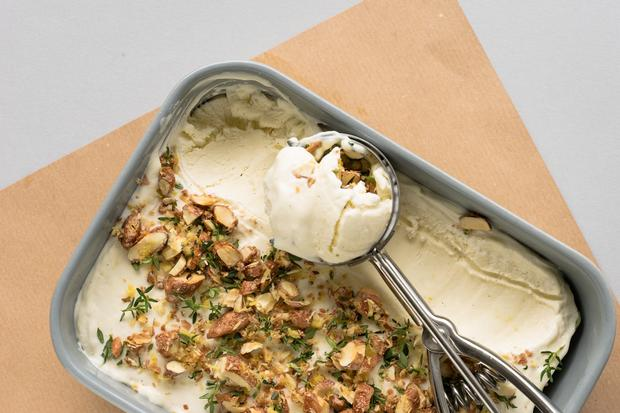 Kartoffel-Mousseline: Herrlich sahnig und geschmeidig: Ins Eis kommt nämlich reichlich Ricotta.