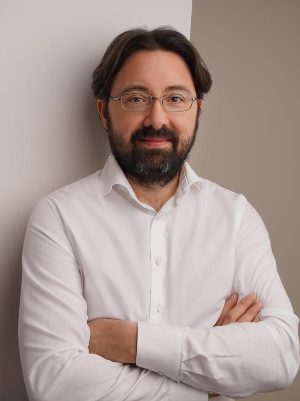 Tobias Gaugler ist Wirtschaftswissenschaftler am Institut für Materials Resource Management der Universität Augsburg und forscht zum Thema nachhaltiges Ressourcenmanagement von Agrarrohstoffen.