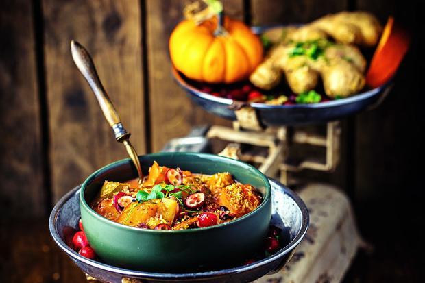 Grüne Matcha-Sterne: Kürbis-Cranberry Curry