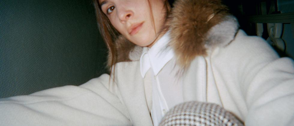 Die Schaupielerin Aylin Tezel