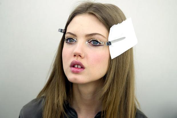Ästhetik: Zahnlücke, Pausbäckchen, Schmollmund –das Model Lindsey Wixson stellt Schönheitsideale erfolgreich infrage, hier im März 2013 bei Chanel.