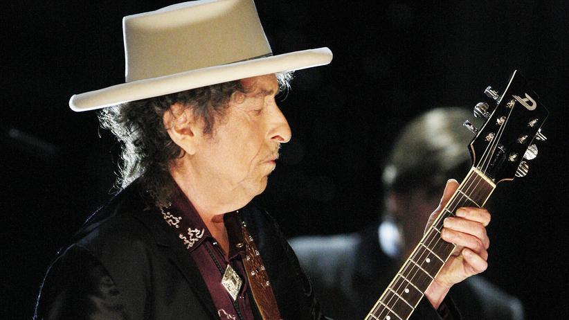 Gesellschaftskritik: 20 Locken für einen Dylan