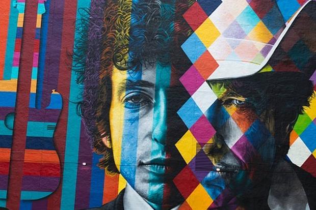 Literaturnobelpreis: Der Künstler Eduardo Kobra hat in Minneapolis eine Wand mit dem Konterfei Bob Dylans bemalt.