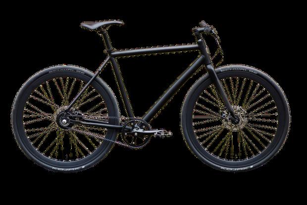 Mirko Borsche testet ein E-Bike, das gar nicht aussieht wie ein E-Bike