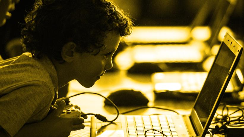 Digitale Familie: Der Junge mit dem 15-Zoll-Grinsen