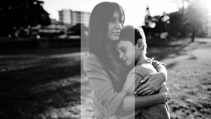 Sehnsucht: Mutter mit Sohn