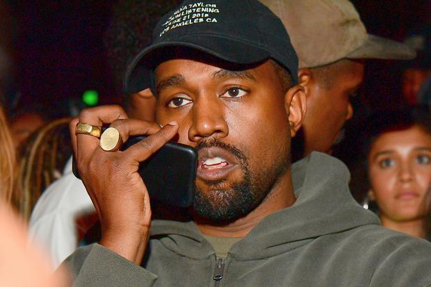Kanye West: Geld stinkt nicht? Für viele ist es sogar das schönste Parfüm der Welt! Kanye West riecht danach, sagt seine Frau Kim Kardashian. Aber sind Dollarnoten echt so dufte?