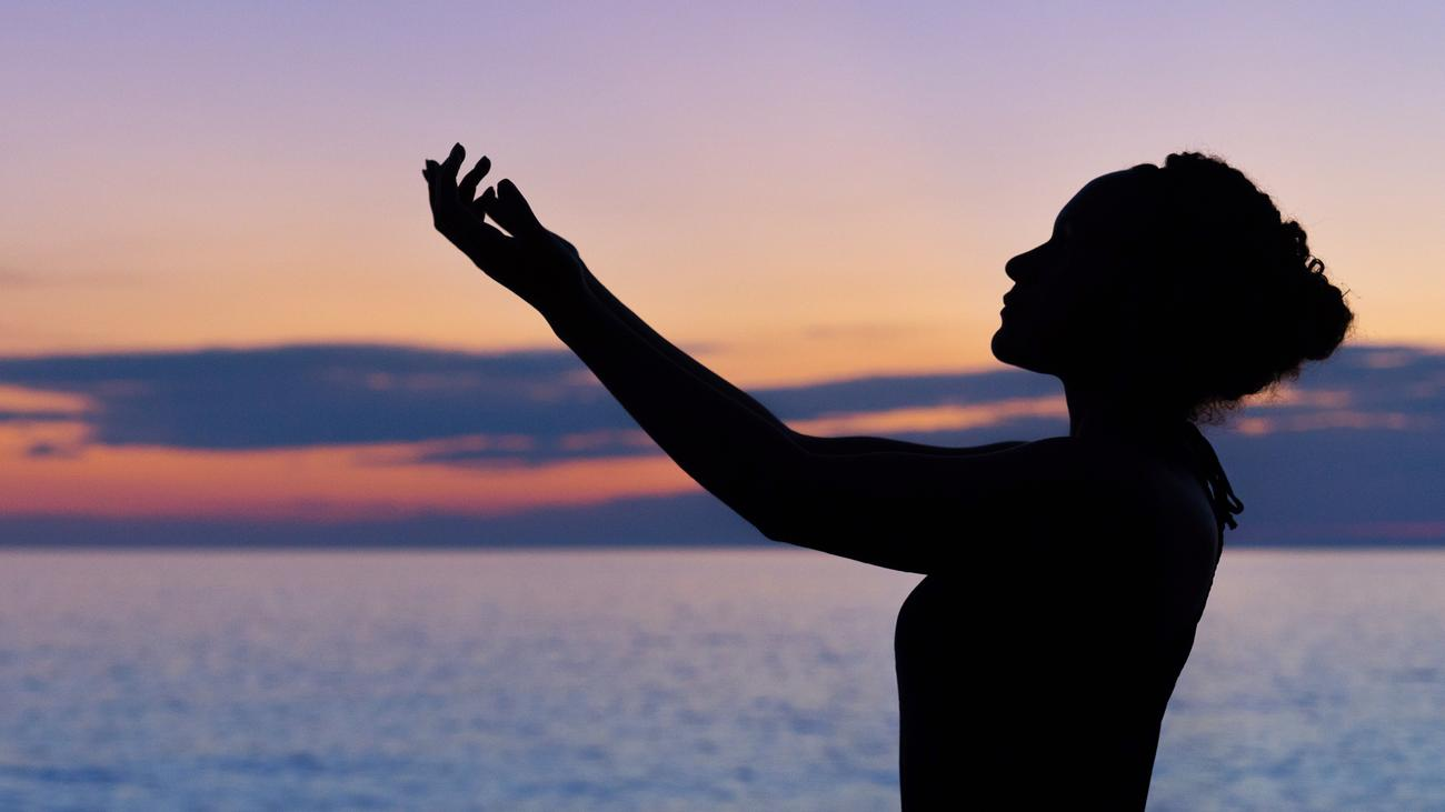 Nackt-Yoga: Gnade dir selbst   ZEIT ONLINE