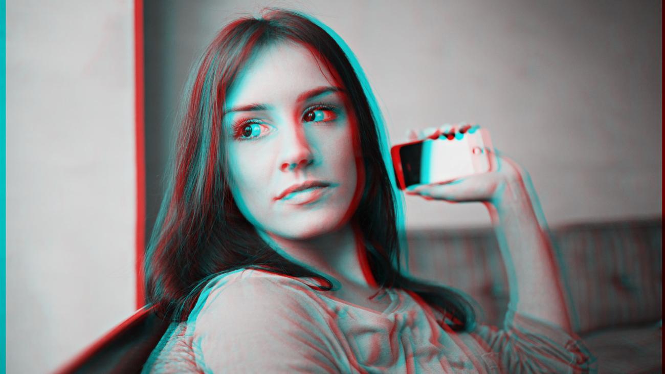 Tinder: Die emojisierte Frau