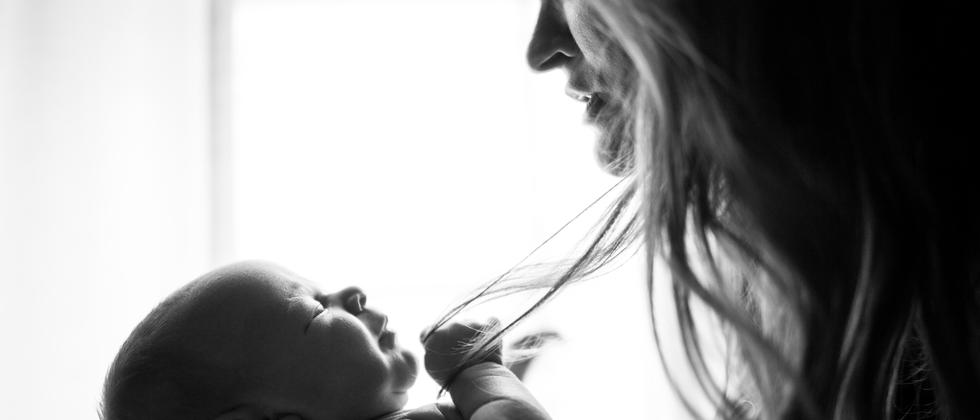 Geruchssinn: Wirkt der Geruch von Babys wie eine Droge auf Frauen?