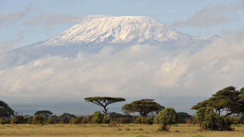 Der Kilimandscharo ist mit 5895 Metern das höchste Bergmassiv Afrikas.
