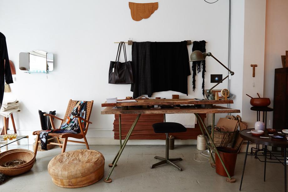 freunde von freunden ich w rde gern minimalistisch wohnen aber ich kann einfach nicht. Black Bedroom Furniture Sets. Home Design Ideas