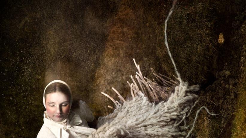 Skandinavien: Schafswollkleid und Schuppenrock