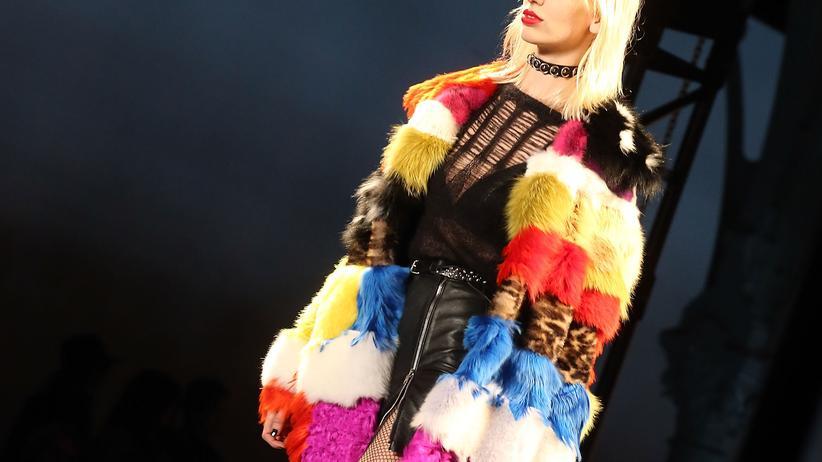 Fashion Week Paris: Welt in Schieflage