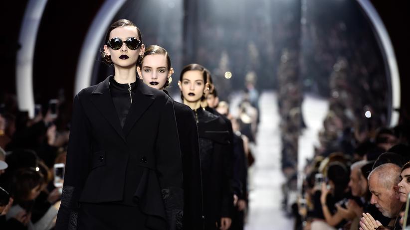 Paris Fashion Week : Die neue Unangezogenheit