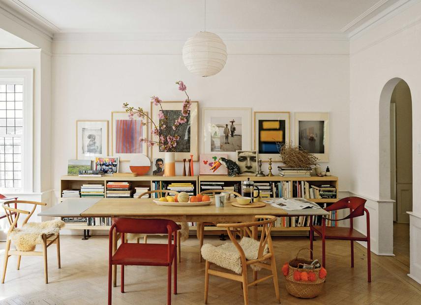2 12 Agnethe Glatved Designerin Und Matthew Septimus Fotograf Leben In Ditmas Park Sie Stammt Aus Norwegen Liebt Die Wintersonne Im Wohnzimmer