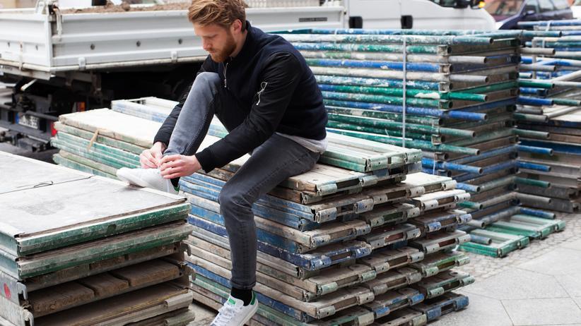 Sneakers: Schlicht, elegant und passt zu allem: der Adidas Stan Smith, hier in der neuaufgelegten Boost-Variante.