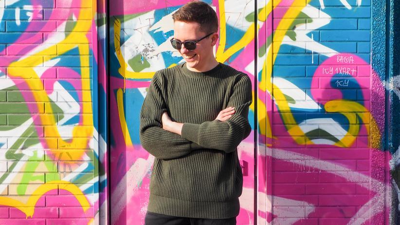 Pullover: Lieber weiter tragen als zu eng. Nichts ist trauriger als ein Mann in einem spack sitzenden Pullover.