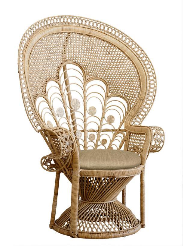"""Rattan: Die Lehne des """"Peacock Chair"""" soll an einen Pfau erinnern, der ein Rad schlägt."""