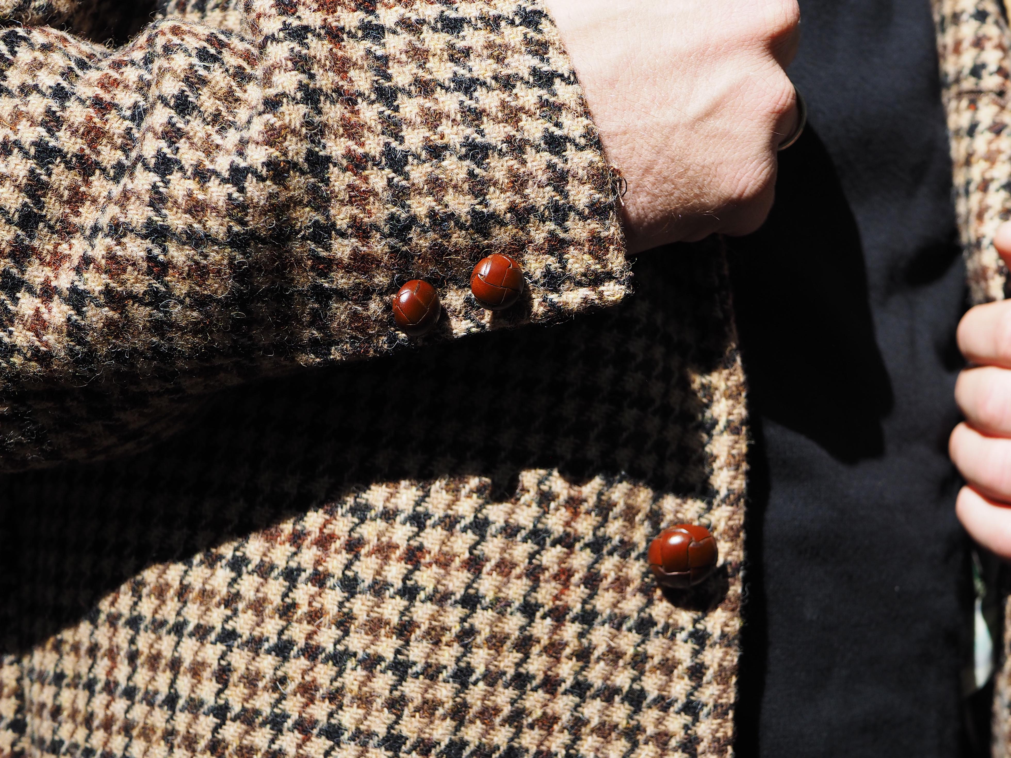 Sakkos: Sehr klassisches Detail: Auch die geflochtenen Lederknöpfe sind dafür gemacht, lange zu halten.