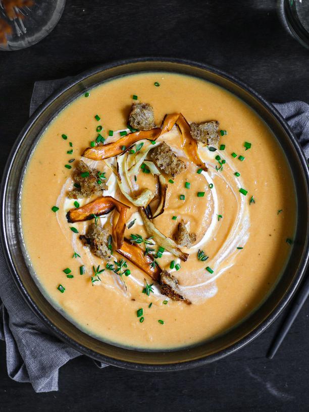 Pastinaken-Süßkartoffel-Suppe: Herbstliche Pastinakensuppe
